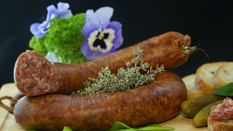 Staraj się kupować mięso na stanowiskach mięsnych, najlepiej od lokalnych przedsiębiorców